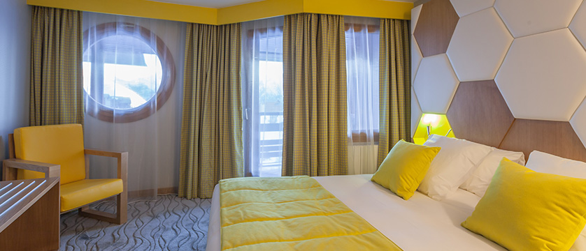Le Royal Ours Blanc - Superior room (2)